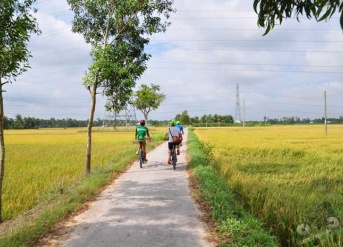 Mekong Delta Cycling Tour 3 days With Homestay