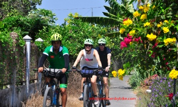 Who can take the cycling tours in Vietnam ?